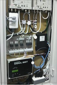 SIGNAL BEET(受信機)はMDF室又は管理人室に設置されています。